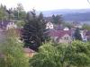 het dorp links van het huis