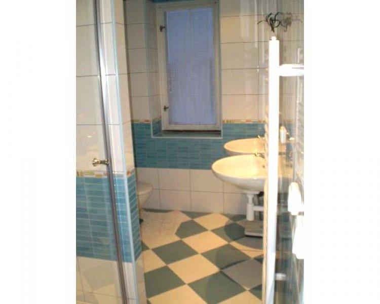 de toegang tot de badkamer