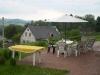 voor terras met uitzicht over het dorp